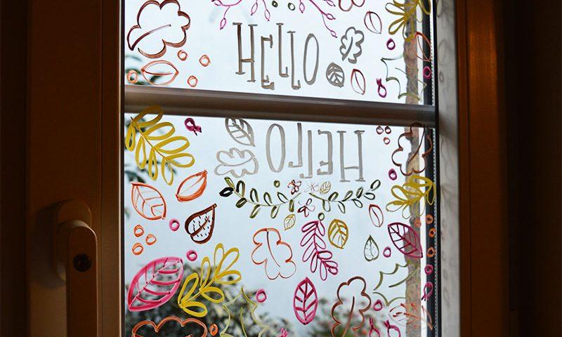 diy fensterbilder mit kreidestiften lettern und malen