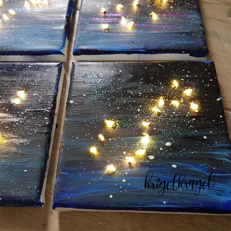 Dies ist eine Bastelanleitung für eine schöne Dekoidee die leuchten kann. Im Blogbeitrag bekommst du eine Videoanleitung wie du Sternzeichen selber malen kannst. Die Bilder sind auch eine schöne Geschenkidee zum Geburtstag. Galaxybilder mit Sternzeichen selber machen und mit LEDs beleuchten! #sternzeichen #basteln #galaxy #galaxiemalen