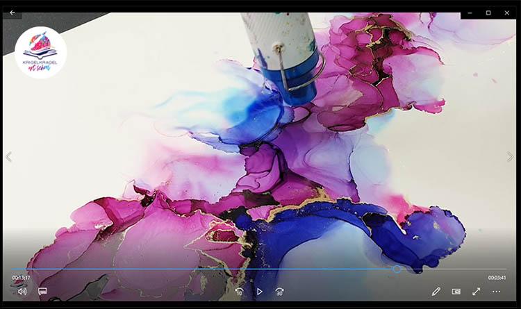 Der Online Kurs zum Malen lernen mit Alkoholtinte. In diesem Grundkurs lernst du von Anfang an mit Alkoholtinte richtig zu malen. Vermeide viele Fehler und komme schneller zur abstrakten Malerei wie ein Profi. #malenlernen #malen #alcoholin #alkoholtinte
