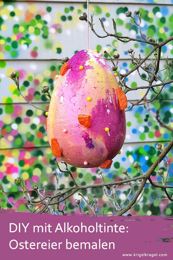 Oster DIY: Ostereier mit Alkoholtinte bemalen und weiter gestalten. Dekoriere deine Oster-Deko mit Hilfe von Alcohol Ink. Eier werden mit Alkoholtinte zu einzigartiger Osterdekoration. #ostern #osterdeko # eierbemalen #alkoholtinte